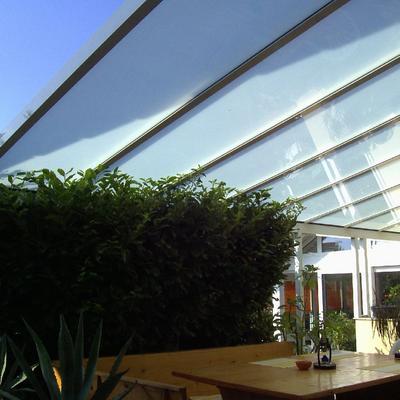 Terassendach in Mattglas